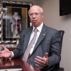 Régimen de Incorporación Fiscal no sirve: Bettinger